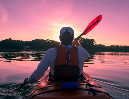 What are the Best Kayak Lights for Night Paddling?